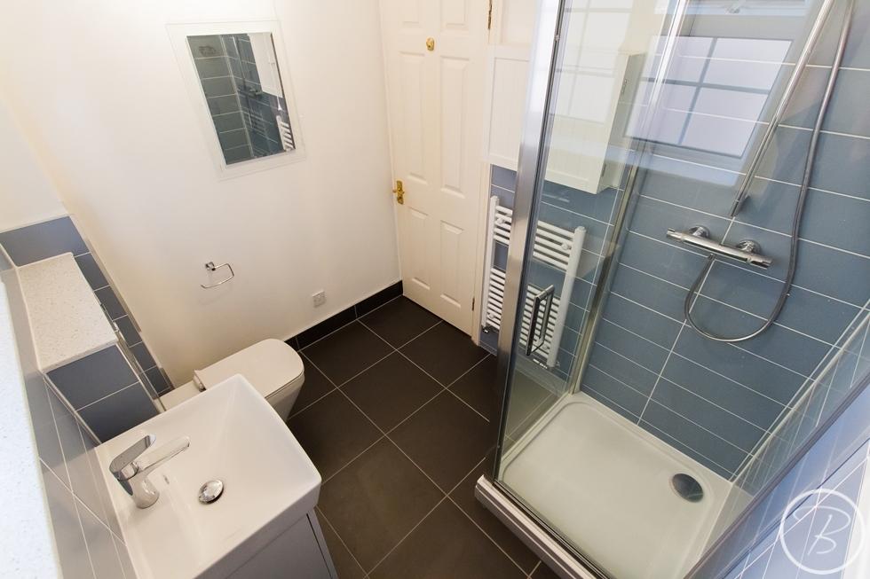 Bathroom Bury1