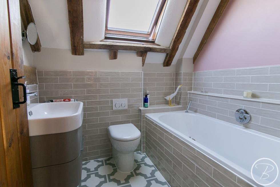 Bathroom WLW 1