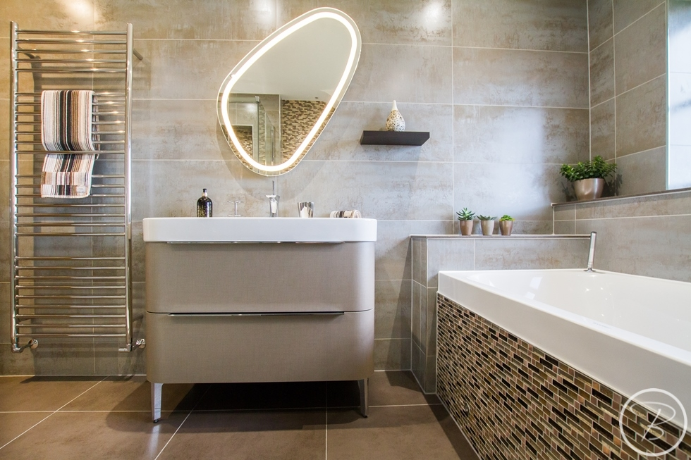 Bathroom Wentworth 12