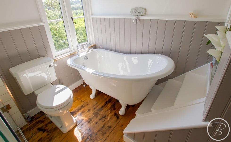 Holywell-Row-Bathroom-1-8