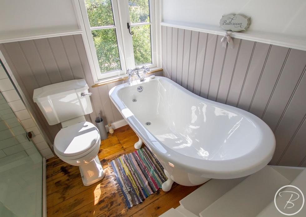 Holywell-Row-Bathroom-1-9